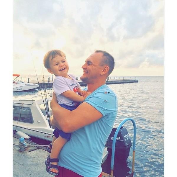 Степан Меньщиков с семьей в Анапе: фото