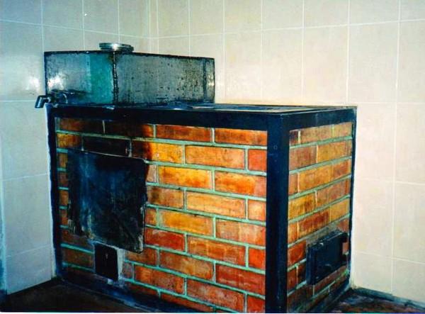 Как построить печь с грубой в доме своими руками видео