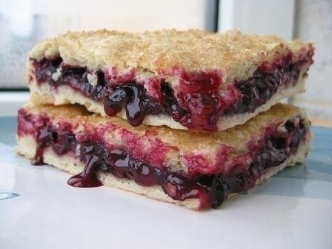 Постный пирог с клубникойы с фото