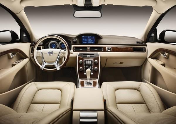 Volvo S80 – стильный автомобиль для серьёзных людей