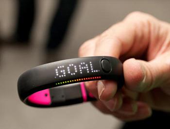 Оригинальный браслет Nike+ FuelBand SE: обзор