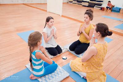Развития и здоровья сердце йоги