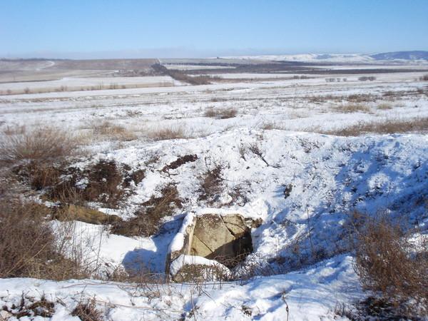 Дольмен в Пионерском, Крым: на северо-восток