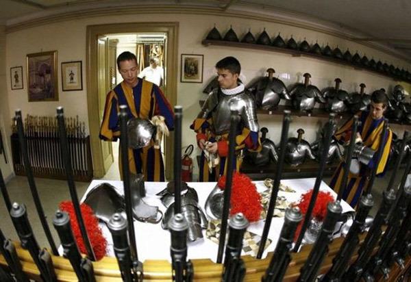 Оружейка Папы….. Римского