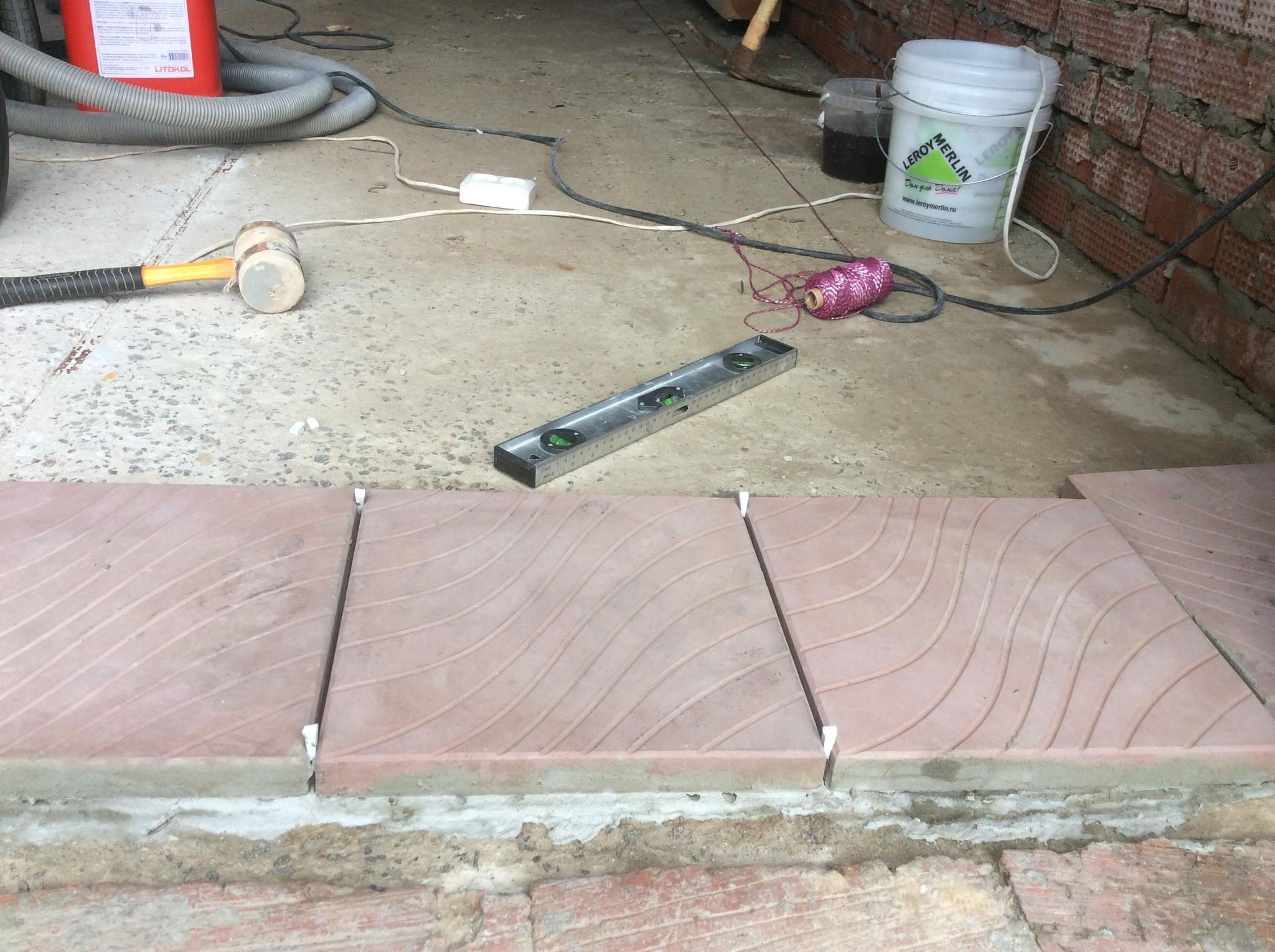 Тротуарная плитка для гаража своими руками 69