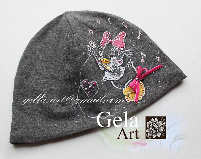 Заколки и шапки 158