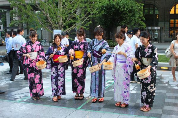 Япония, Ежегодное мероприятие Uchimizu