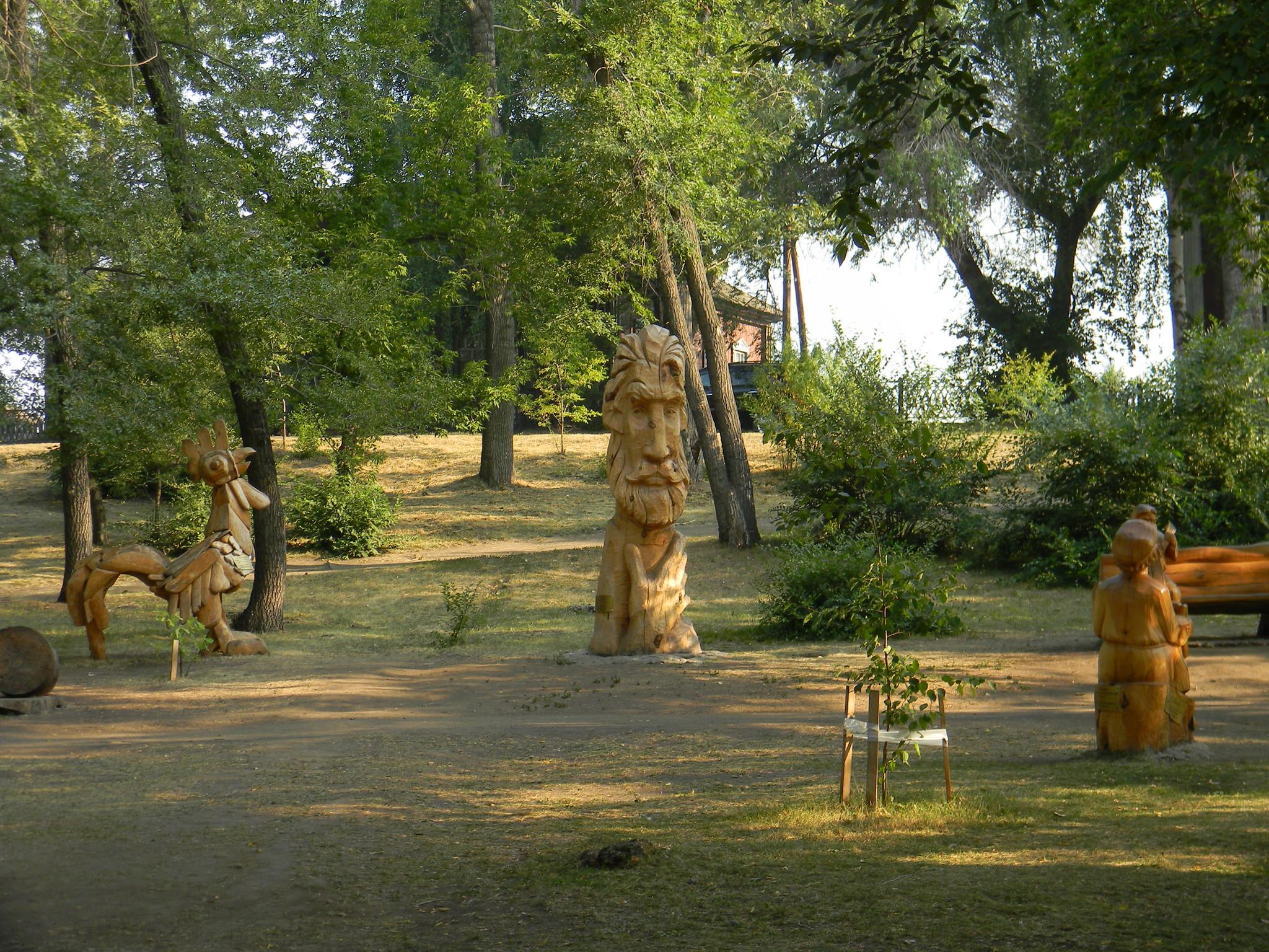 Парк деревянных скульптур создан по мотивам произведений Василия Макаровича Шукшина