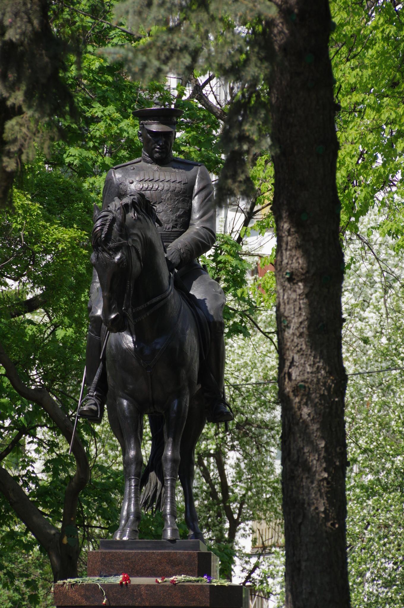 Памятник маршалу Константину Константиновичу Рокоссовскому