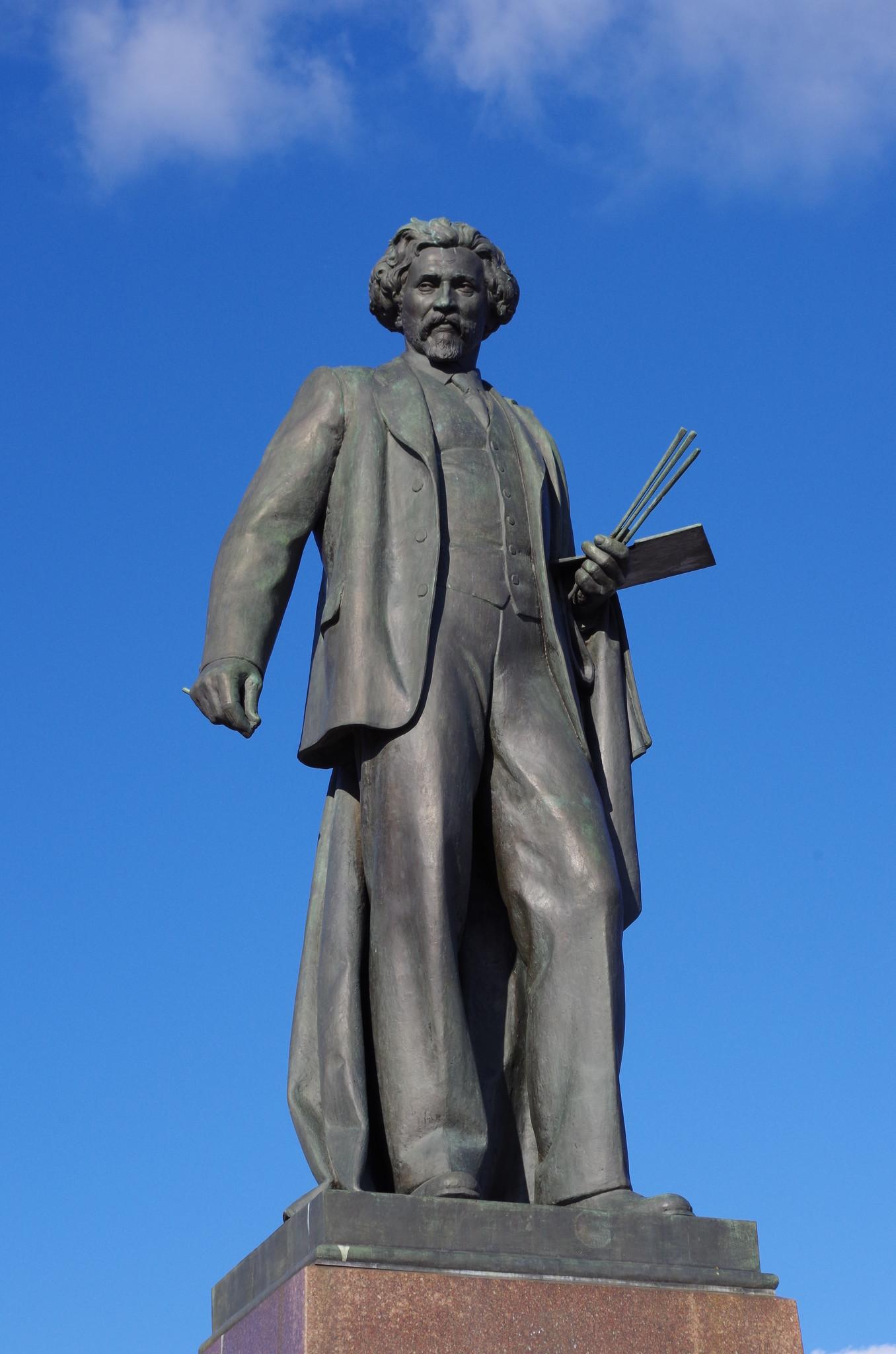 Памятник Илье Ефимовичу Репину (скульптор М.Г. Манизер)