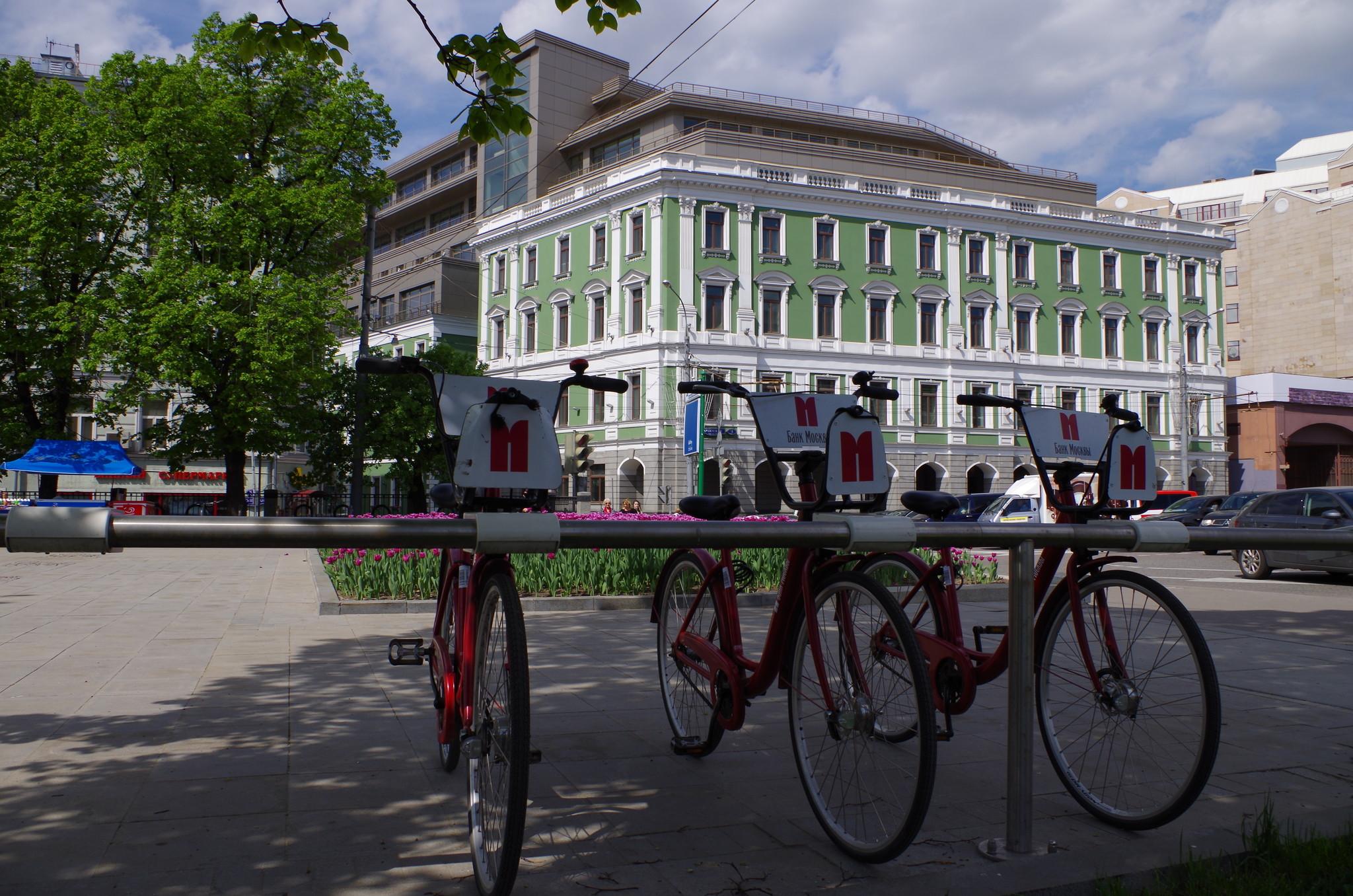 Велопарковка на Гоголевском бульваре