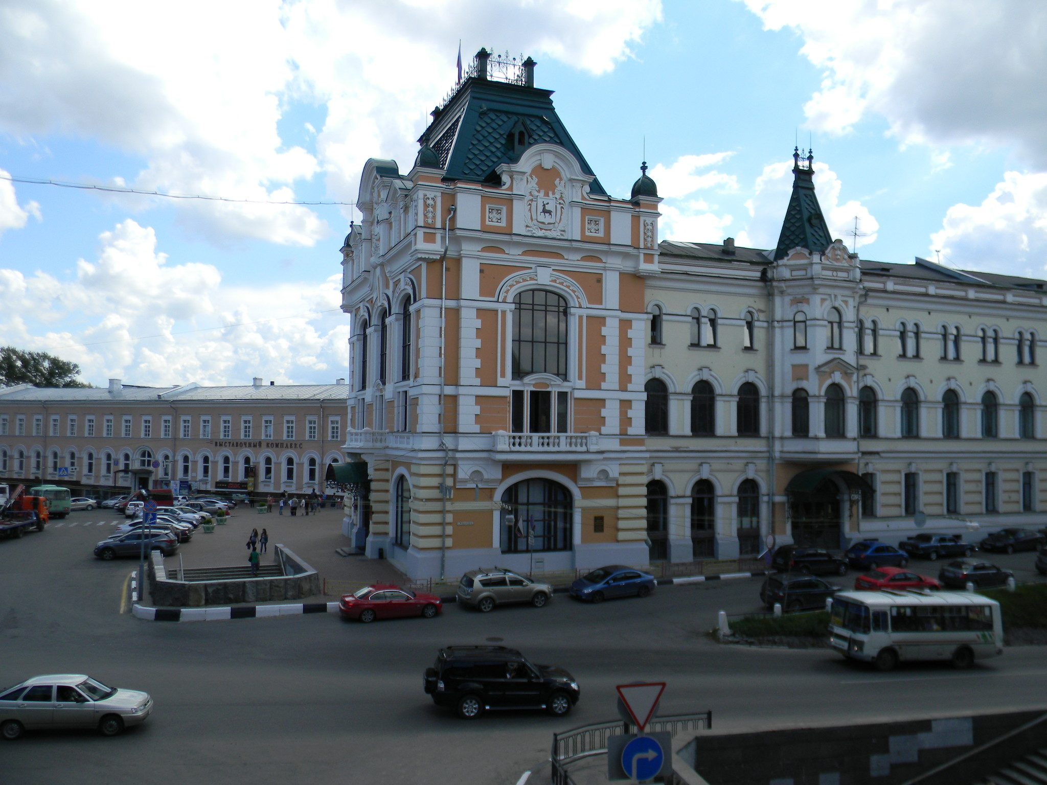 Бывшая Городская Дума на площади Минина и Пожарского