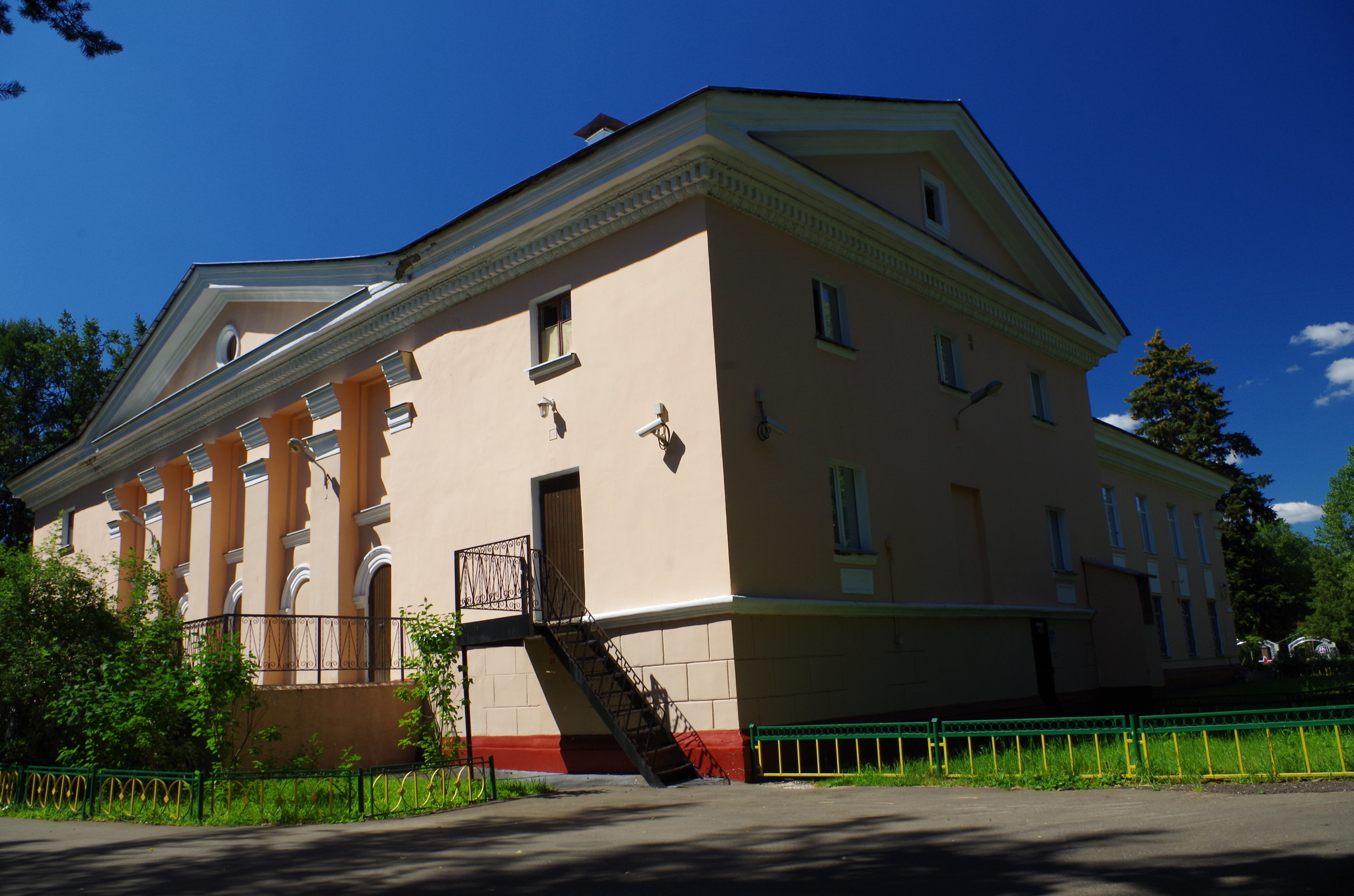 Дом культуры «Северный» (3-я Северная линия, дом 17)