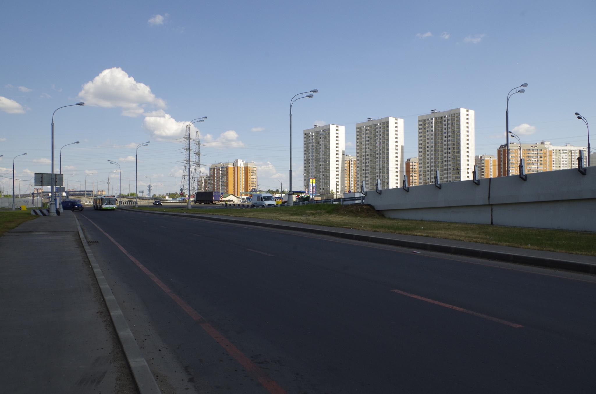 Дмитровское шоссе в районе Северный