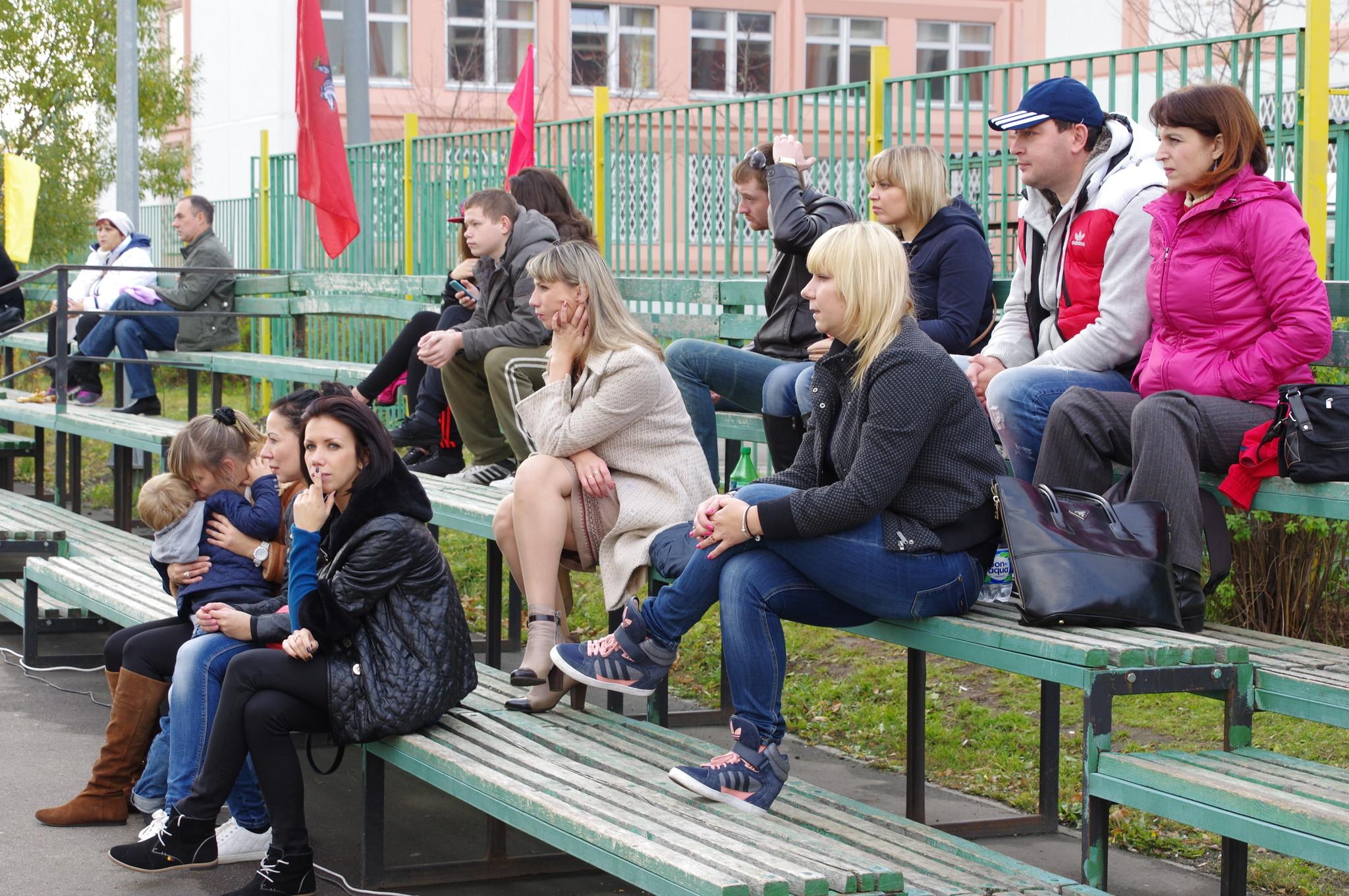 Зрители. I-е открытое первенство района Северный СВАО города Москвы по хоккею на траве