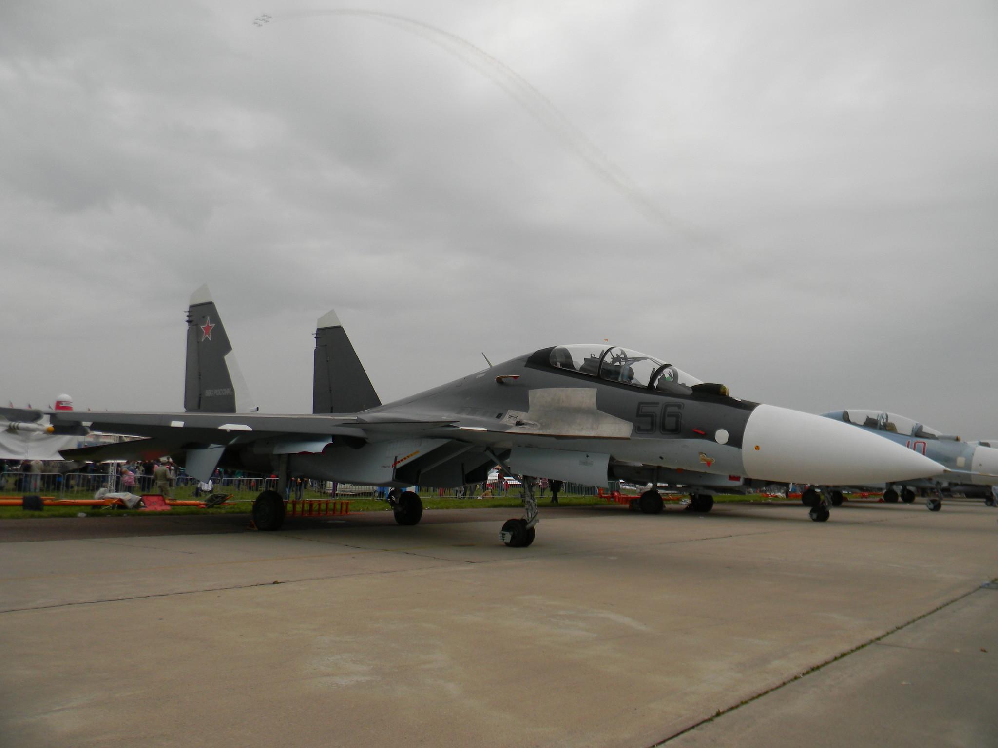 Сверхманевренный фронтовой истребитель Су-30СМ