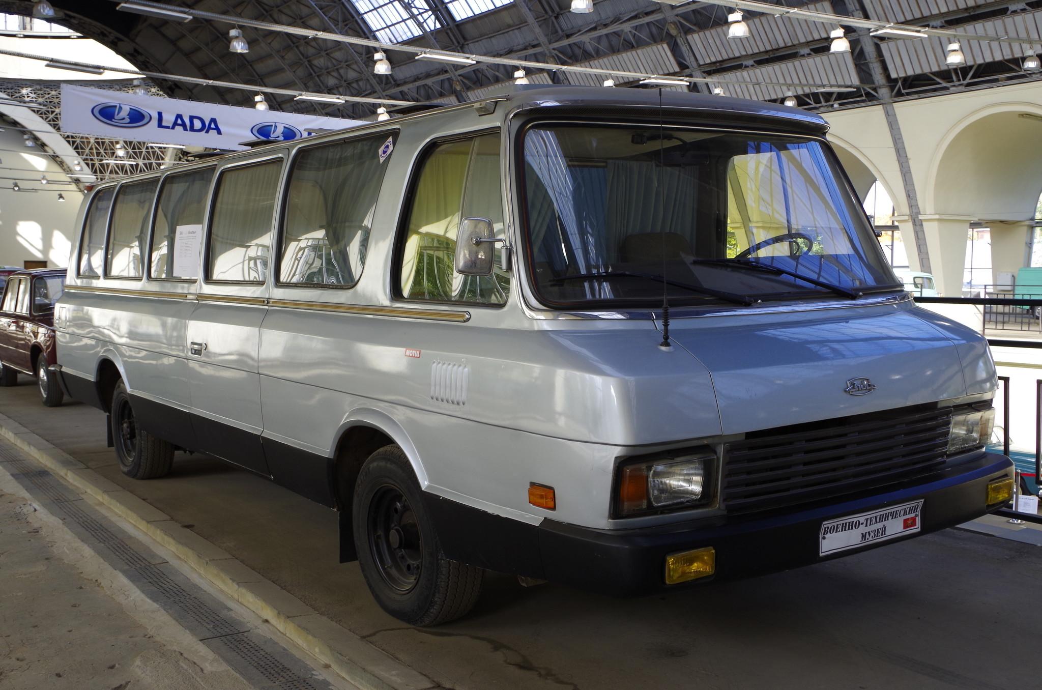 ЗИЛ-118К «Юность». 17 местный автобус высокой комфортности