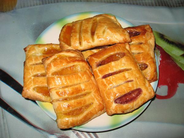 Пирог сладкий из слоеного теста в духовке рецепт с