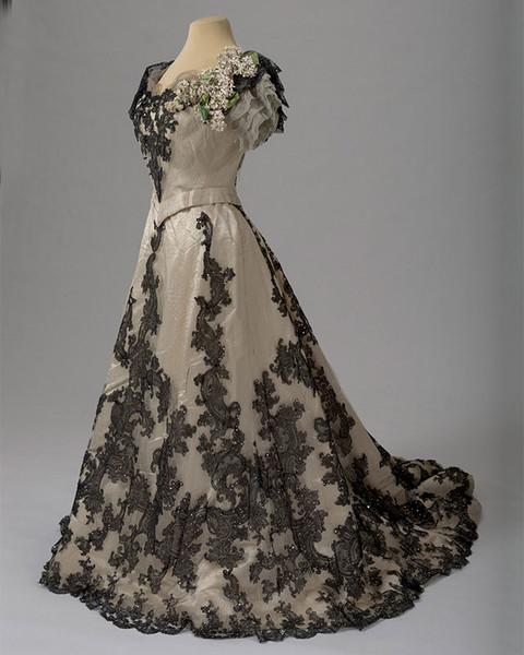 Бальные платья по старину