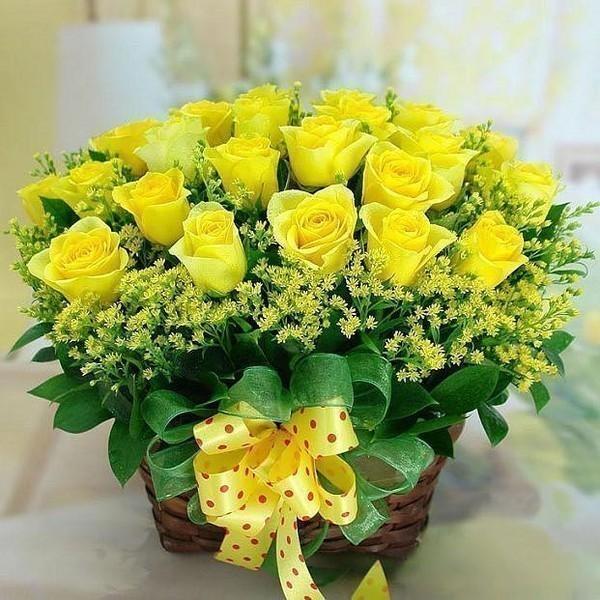 Желтые розы с поздравлениями 380