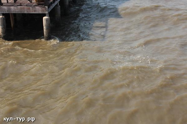 грязное море патайи наклуа