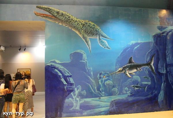 картины в 3д музее - динозавры