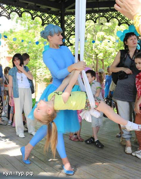 цирковое шоу в саду эрмитаж