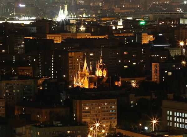 ночной кремль вид на Москву