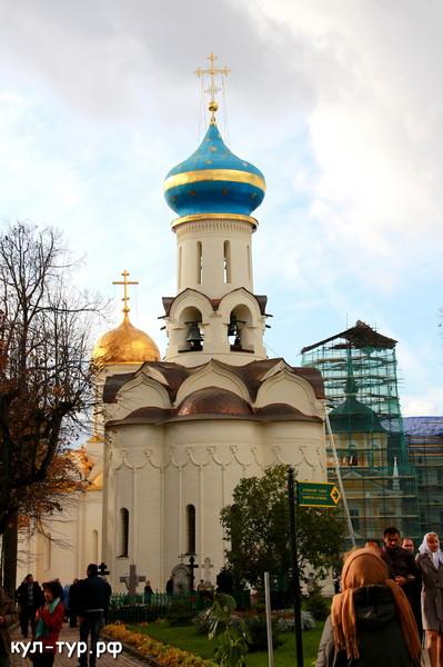 Троице Сергеева лавра Духовская церковь