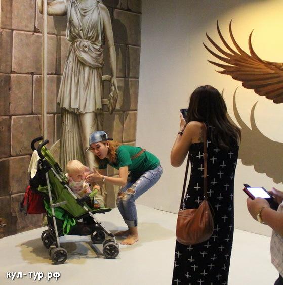 с ребёнком в 3д музее