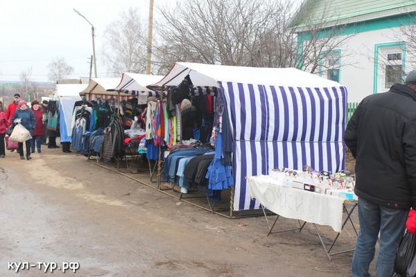 торговые ряды на рынке сухиничи