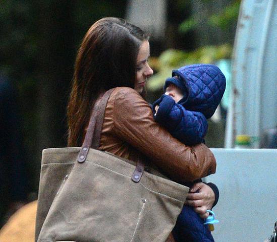 Марина Александрова впервые показала сына и дочь | StarHit.ru