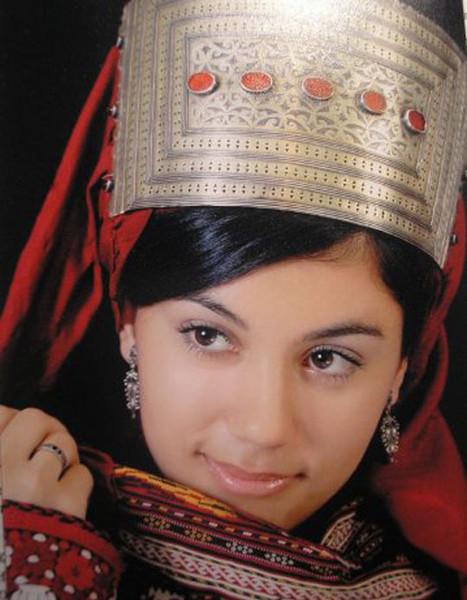 кавказская девушка красивая