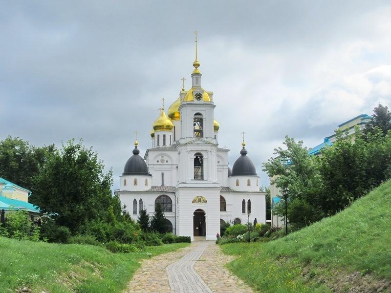 https://content.foto.my.mail.ru/list/s1_62/15150/h-15158.jpg