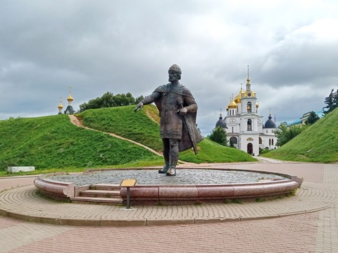 https://content.foto.my.mail.ru/list/s1_62/15150/h-15165.jpg