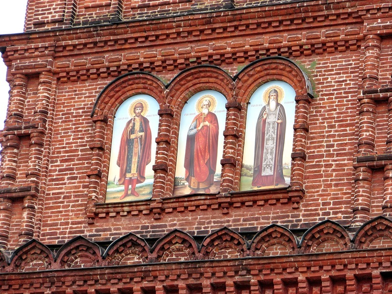 Путешествие из Москвы в Псков (+ Изборск, Печоры, Валдай и Селигер)