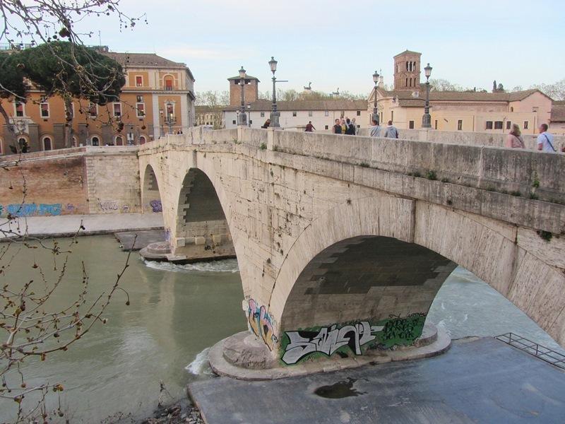 Снова Рим. Но в основном - окрестности (Тарквиния, Черветери, Браччано, Тиволи, Остия, Неттуно)