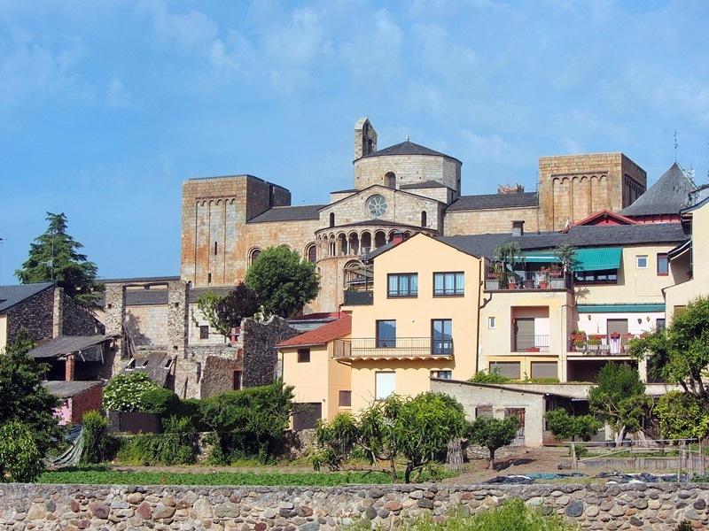 Северная Каталония: прогулки вдоль пиренейских предгорий