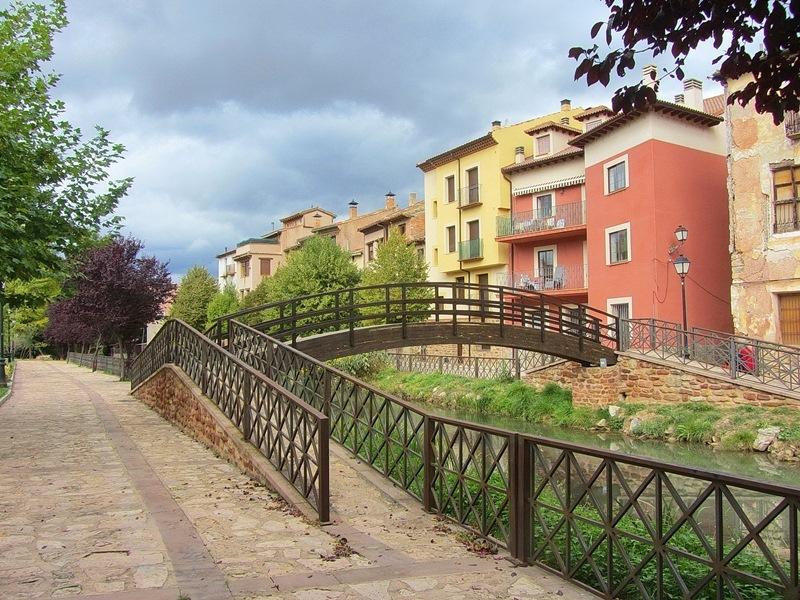 В краю мудехара: Теруэль, Альбаррасин, вода и горы, пейзажи и ландшафты