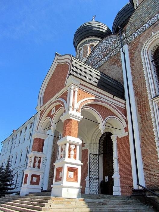 https://content.foto.my.mail.ru/list/s1_62/5587/h-5589.jpg