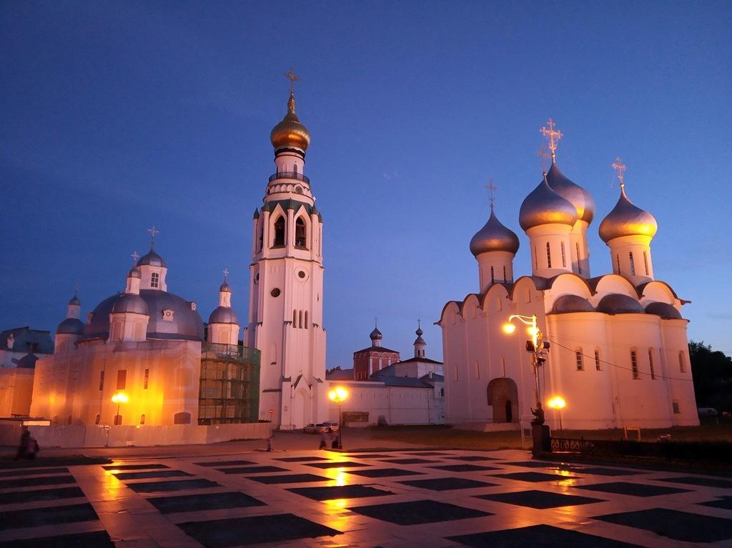 Вологда-гда - каменная, деревянная, резная...без палисадов