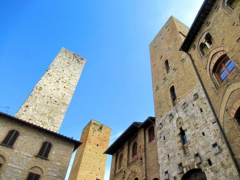 Тосканское средневековье: Сиена и окрестности. А также Ареццо, Вольтерра и ...