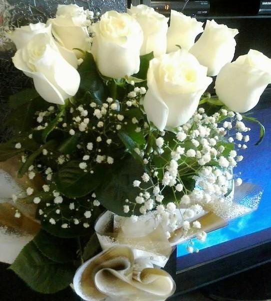 Пожелания с добрым утром женщине в картинках с белыми розами