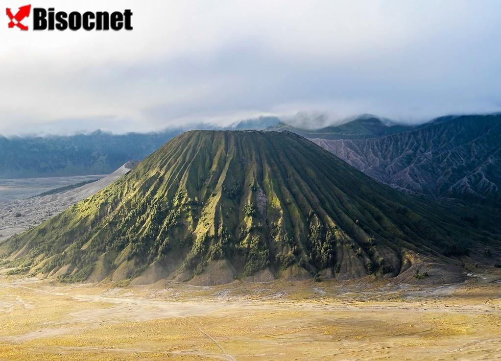 Вулкан Бром: Восточная Ява, Индонезия