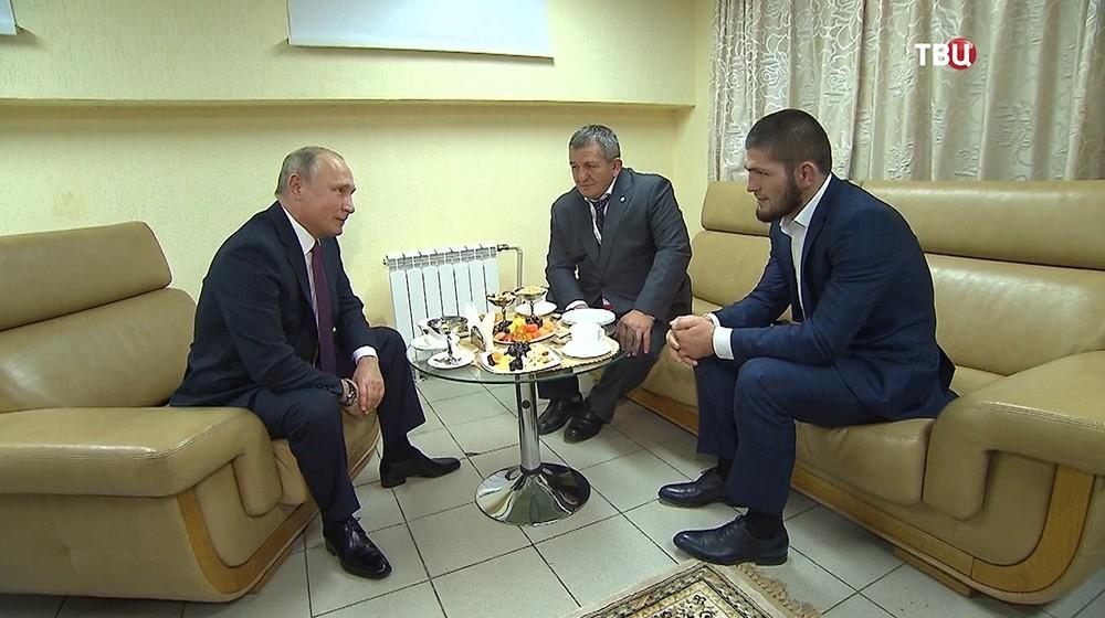 Путин пожурил Нурмагомедова за драку