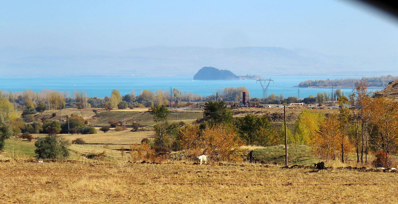 """Западная Армения. Путеводитель по исчезнувшему миру. Армения,""""Зона заражения"""",Турция,дорожное,этнография"""