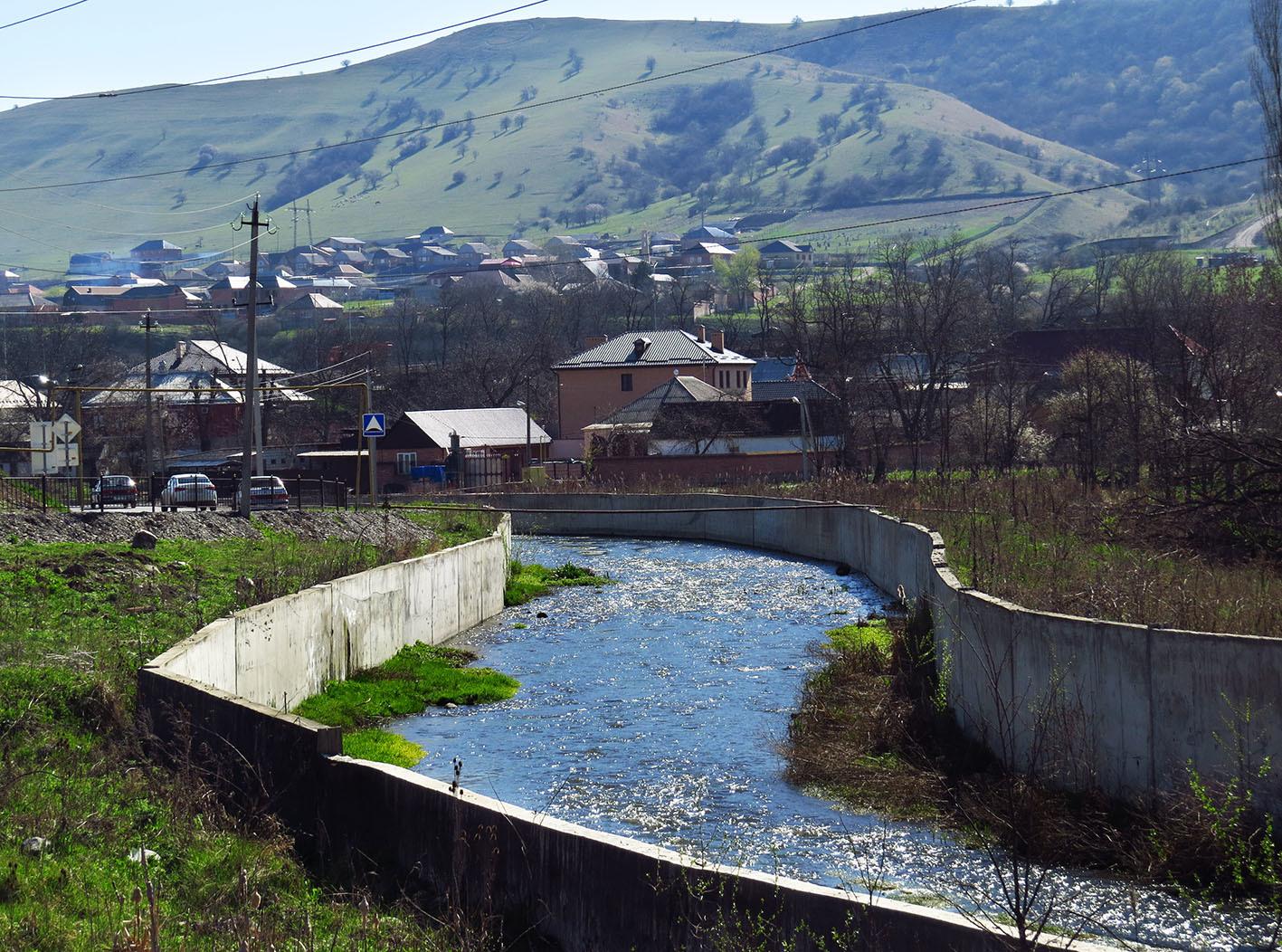 Назрань, мать городов Ингушских замки-крепости,Великая Степь,Кавказ,транспорт,дорожное,деревянное