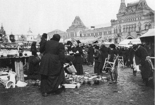 Рынок на Красной площади к Пасхе.