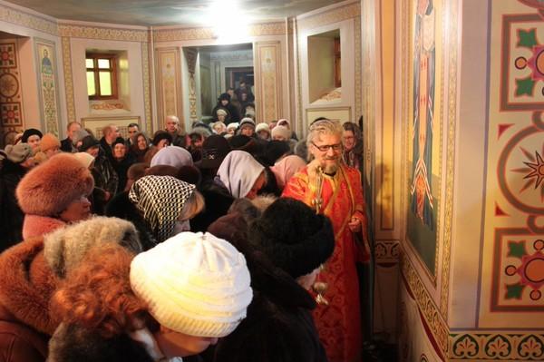 Божественная Литургия в Свято-Георгиевском храме 5.02.2012г.