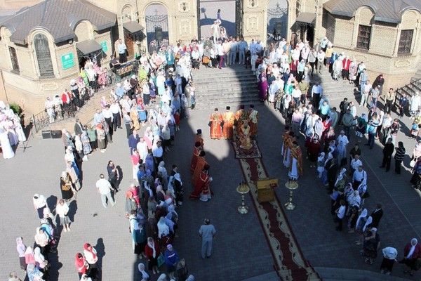 Празднование дня памяти святого великомученика Георгия Победоносца в Алчевске